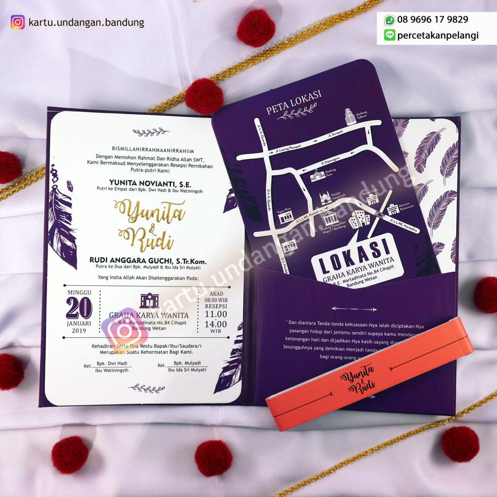 Undangan nikah warna ungu yang elegan